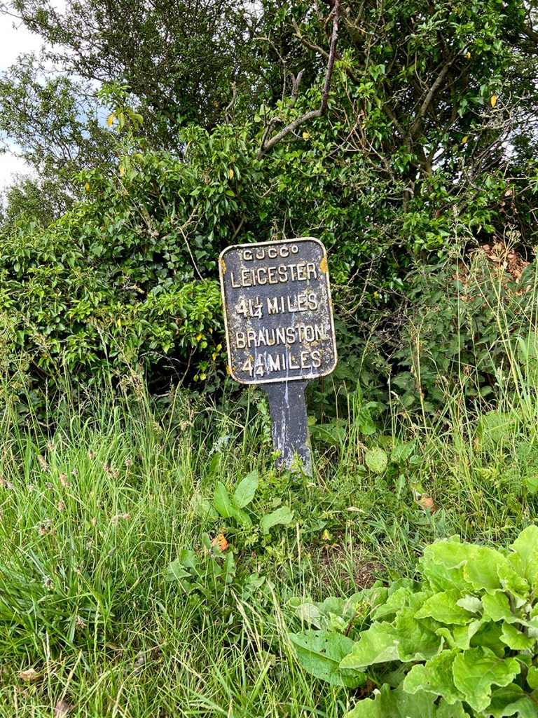 murpworks - The Tales of Silverdale - Braunston sign image
